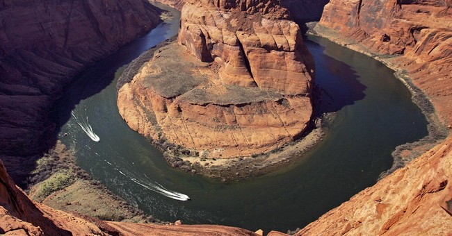 Water woes among topics for 8 governors in Vegas