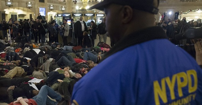 Chokehold death protest gets violent in California