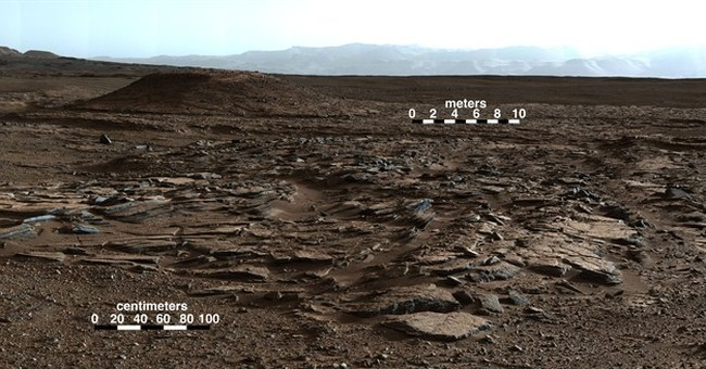 Mars mountain may have formed from big, wet lake