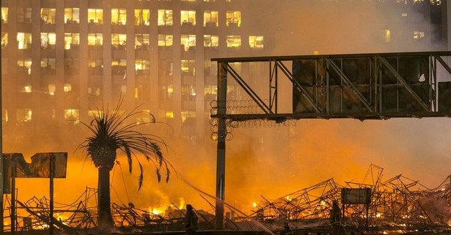 Arson eyed in massive Los Angeles apartment blaze