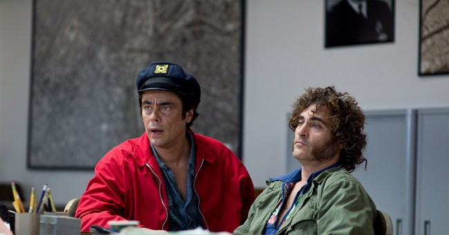 Review: 'Inherent Vice' goes by in a pleasant haze