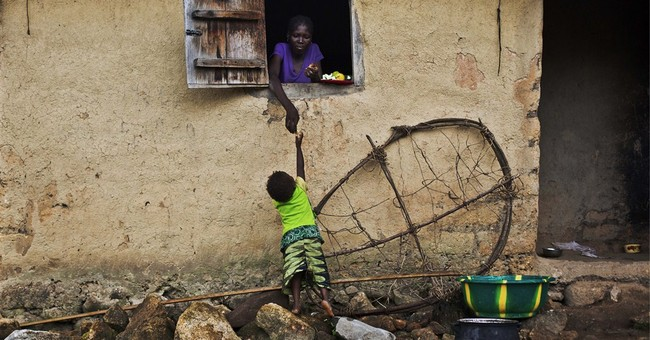 Sierra Leone area to hold 2-week Ebola 'lockdown'