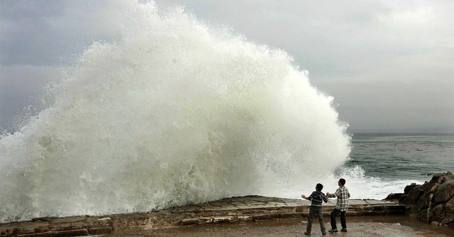 California residents load up sandbags before storm