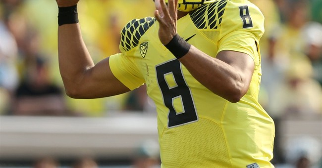 Oregon QB Mariota big winner at awards show