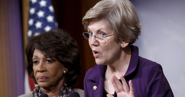 Former Obama aides urging Warren run for president