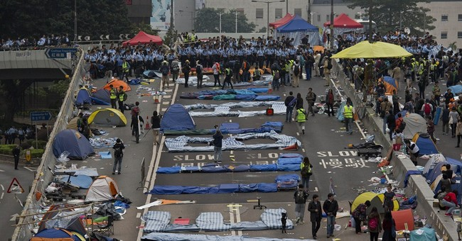 Image of Asia: Clearing out Hong Kong protesters