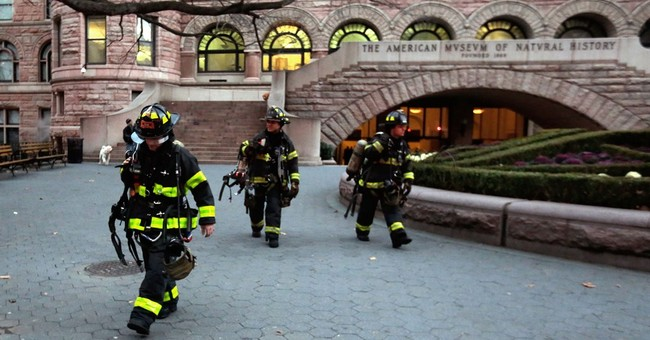 Smoke prompts evacuation of Natural History Museum