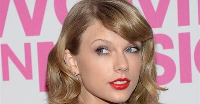 Aretha serenades Swift as Billboard honors both