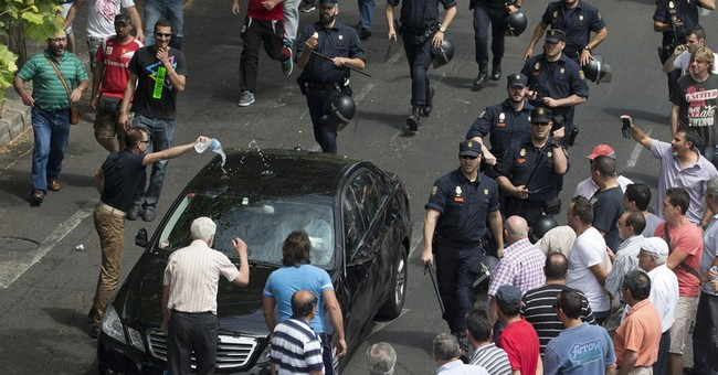 French court says Uber may infringe on taxi law