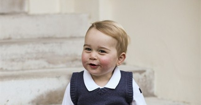 Christmas cutie: Prince George images released