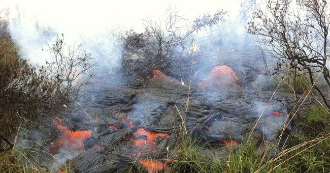 Hawaii lava on course to hit gas station, stores