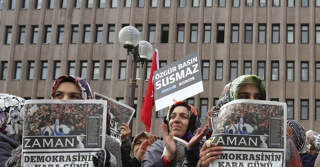 Turkey dismisses EU criticism of police raids