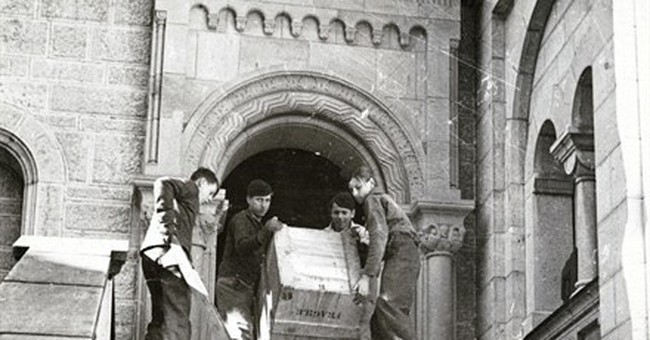 Real 'Monuments Men' records go on display in DC