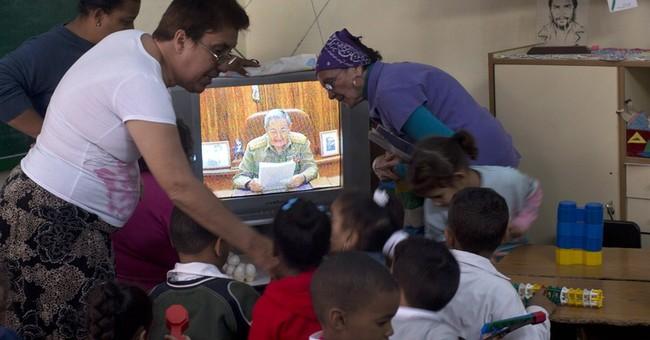 Cubans cheer historic renewal of US relations