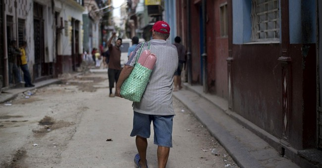 Cubans cheer historic renewal of US relations