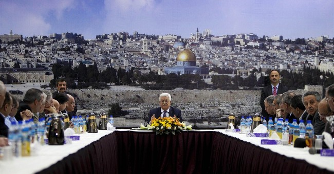 Palestinian leader supports more talks on UN bid