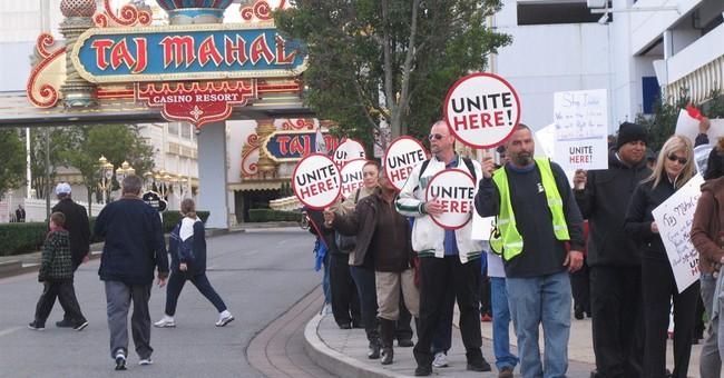 Icahn promises Taj Mahal casino $20M to stay open