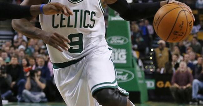 Celtics trade Rondo to Mavericks