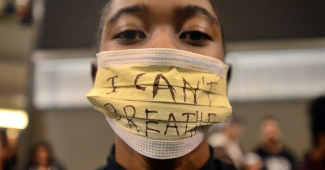 Police brutality protesters rally at Mall of America