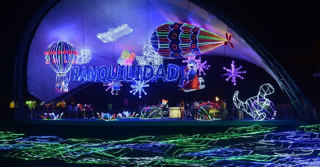 Medellin's Christmas lights dazzle in Colombia