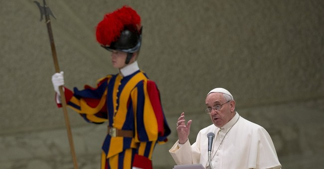 Pope pens letter to comfort, encourage Mideast Christians