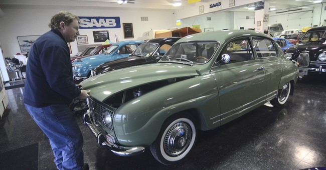 Iowa collector loans Saab to Seinfeld for Portland outing
