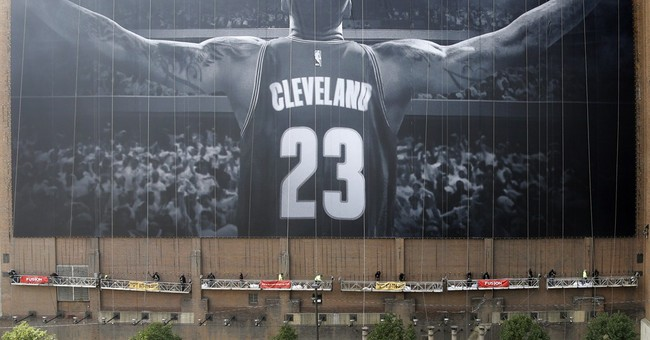 LeBron set for Christmas homecoming against Heat