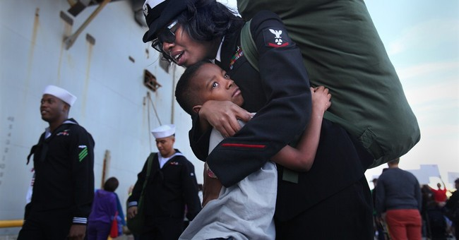 USS Peleliu makes Christmas Eve homecoming