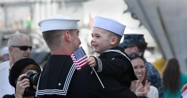 USS Peleliu makes Christmas Eve homecoming