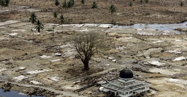 2004 tsunami: Children in mud, lone mosque in Aceh