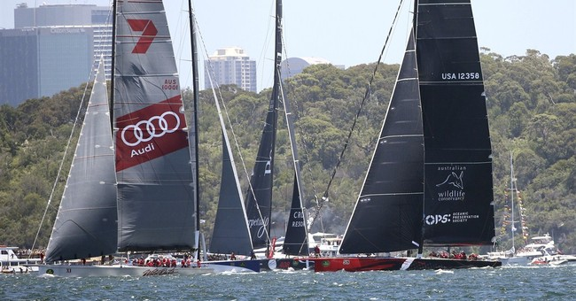 Comanche leads late on first day of Sydney-Hobart