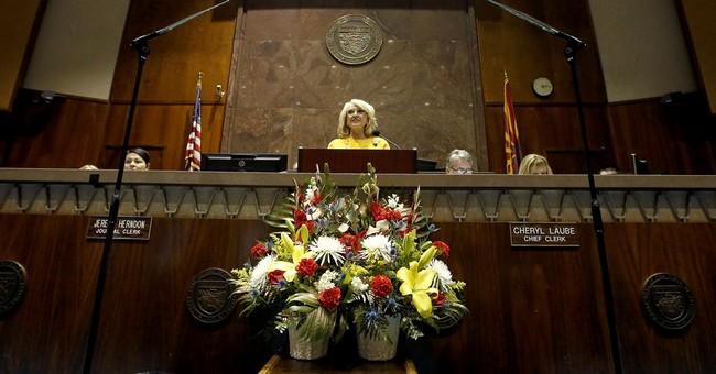 Arizona Gov. Brewer leaving legacy of battling Washington