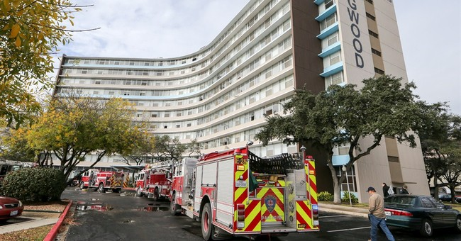 5 dead in apartment building fire near San Antonio