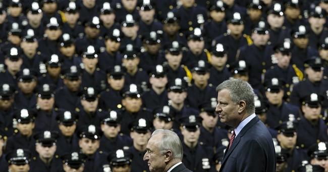 Some boos greet mayor at NYPD graduation