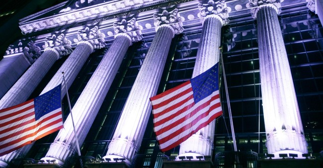 US stocks edge higher in quiet, pre-holiday trade
