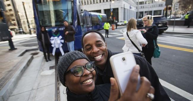 Atlanta streetcar makes inaugural run