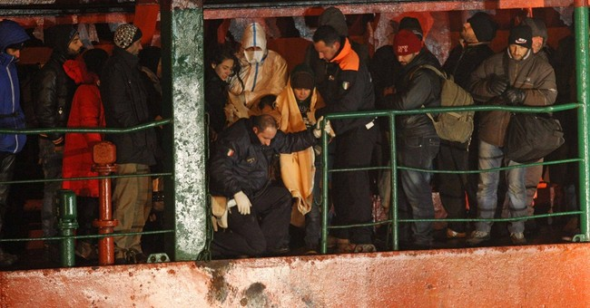 Italy saves 970 migrants abandoned by smugglers