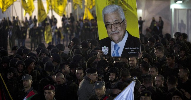 Palestinians to press war-crimes case against Israel