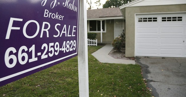 US pending home climb slightly in November