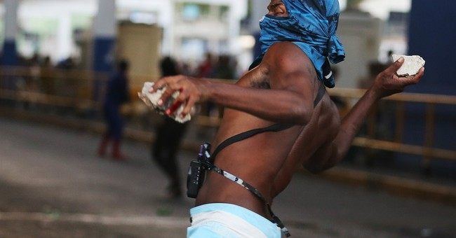 Violent clash at protest in Rio over fare hike