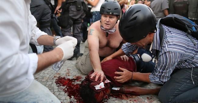 Violent clash at protest in Rio over fare hike