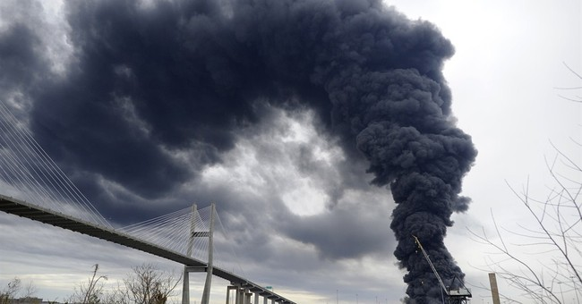 Large warehouse fire breaks out at Savannah port