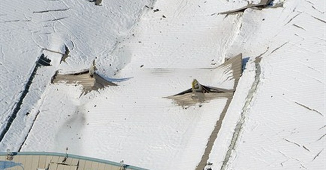 Snow in Japan causes deaths, disrupts traffic