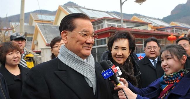 China plays up meeting with senior Taiwan figure