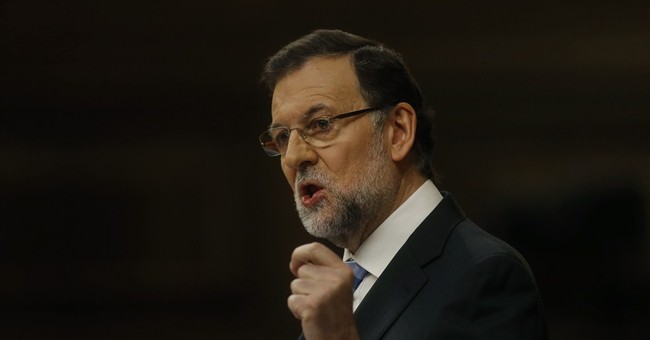 Spain's Rajoy offers job plans as growth improves