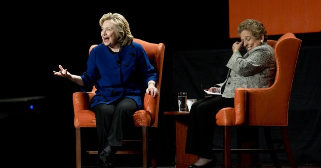 Hillary Clinton lauds veto of Ariz. anti-gay bill