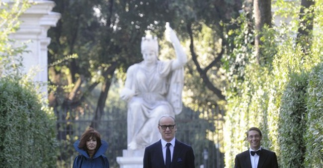 Sorrentino's Oscar-hopeful divides Italian critics