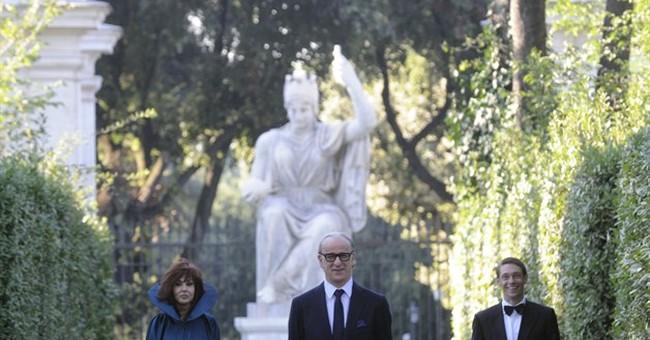 Sorrentino's Oscar-hopeful divides Italian critics