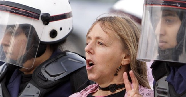 US activist says Egypt police assaulted her