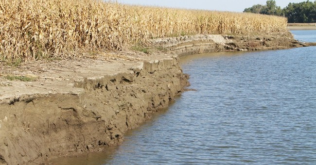 Landowners file lawsuit over Missouri River floods